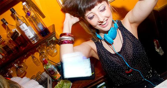 Casa 92 tem Noite Polaroid agitando a sexta-feira com DJs convidados Eventos BaresSP 570x300 imagem