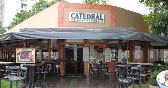 Catedral Restaurante e Chopperia oferece cardápio amplo de pestiscos e bebidas nesta segunda-feira Eventos BaresSP 570x300 imagem