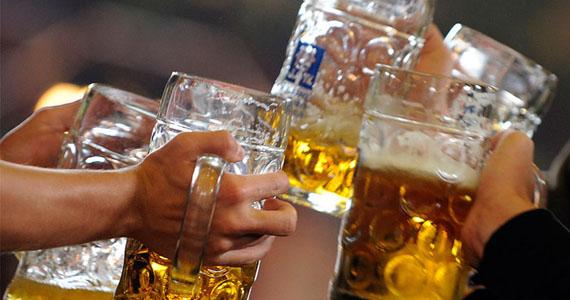 Cervejaria Nacional comemora a mais tradicional celebração cervejeira do mundo com música ao vivo e sazonal Eventos BaresSP 570x300 imagem