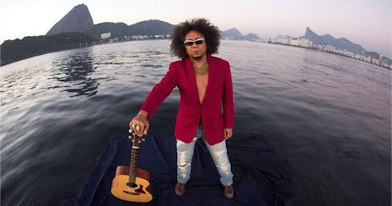Chico César faz show gratuito da turnê Estado de Poesia na abertura da Balada Literária no Auditório Ibirapuera Eventos BaresSP 570x300 imagem