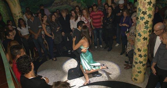 Chilli Rose Club apresenta a Noite Fim de Feira no domingo  Eventos BaresSP 570x300 imagem