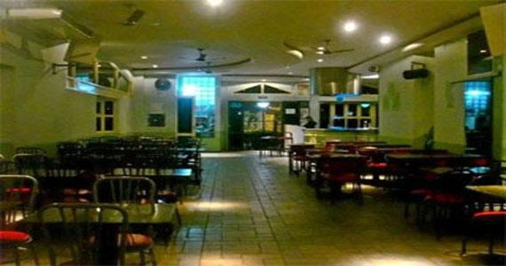 Choperia Muralha oferece Happy Hour com muito espetinho, chopp e videokê Eventos BaresSP 570x300 imagem