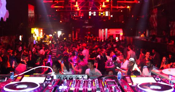 Clash Club realiza festa Fuego! nesta sexta-feira com mulher VIP até 1h Eventos BaresSP 570x300 imagem