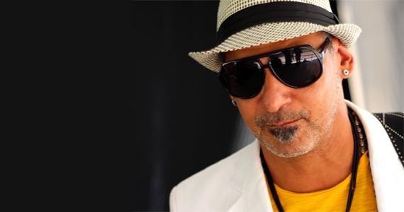 Cantor e compositor Claudio Zoli apresenta sucessos da carreira no palco do Bourbon Street Eventos BaresSP 570x300 imagem