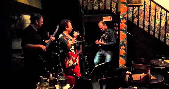 kitu Yang e Cris Torres embalam a noite no Barnaldo Lucrécia ao som de muito MPB Eventos BaresSP 570x300 imagem