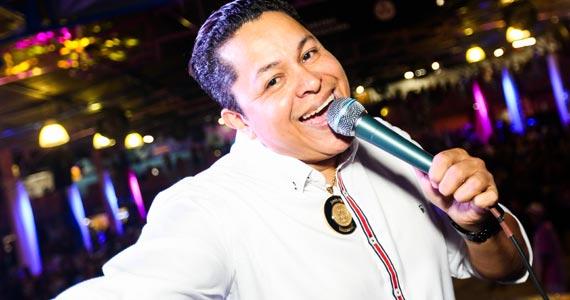 Festa de 11 anos do intérprete Darlan Alves com atrações especiais na Escola de Samba Rosas de Ouro Eventos BaresSP 570x300 imagem