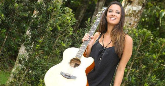 Neste sábado, a cantora sertaneja Thainá Cardoso se apresenta na Outlaws  Eventos BaresSP 570x300 imagem