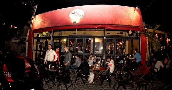 Happy hour divertido e animado no bar Dedo de Moça do Campo Belo Eventos BaresSP 570x300 imagem