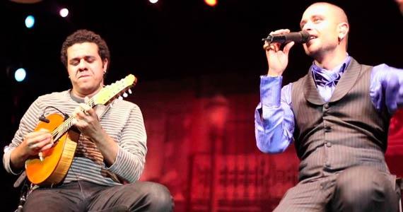 Diogo Nogueira e Hamilton de Holanda com o show Bossa Negra no Theatro NET São Paulo Eventos BaresSP 570x300 imagem
