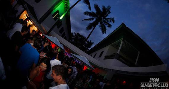 Disco Sunset & Club com Edu Poppo e convidados no comando das pick-ups Eventos BaresSP 570x300 imagem