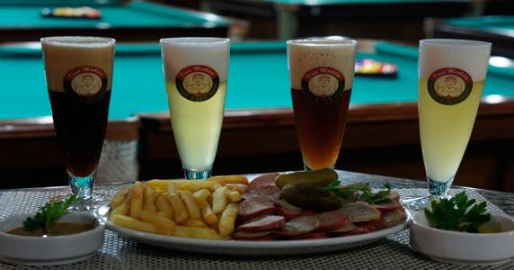 Cerveja gelada de fabricação própria no Dona Mathilde Snooker Bar Eventos BaresSP 570x300 imagem