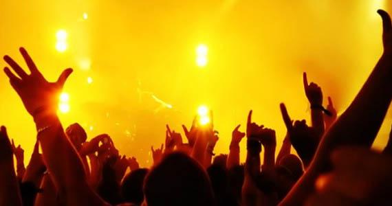 Eazy oferece na segunda-feira a festa Sensual Eazy Eventos BaresSP 570x300 imagem