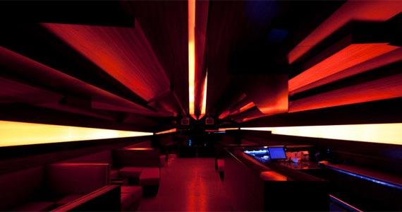 D-Edge agita a noite de segunda-feira com a festa On The Rocks Eventos BaresSP 570x300 imagem
