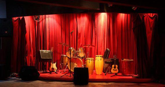 Toinho Melodia faz show de samba no Espaço Urucum no domingo Eventos BaresSP 570x300 imagem
