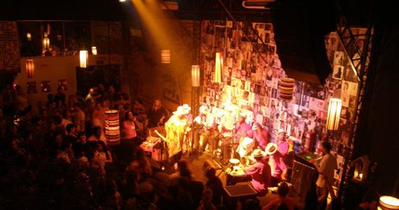 Banda Estilo Livre toca soul, gafieira e samba rock no palco do Diquinta Eventos BaresSP 570x300 imagem