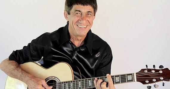 Fagner relembra sucessos de mais de 40 anos de carreira no Tom Brasil (antigo HSBC Brasil) Eventos BaresSP 570x300 imagem