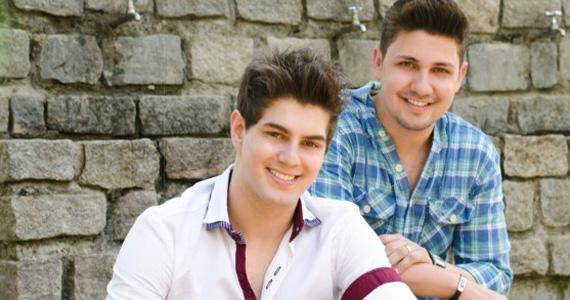 Dupla Fernando & Fabiano se apresentam neste sábado no palco da Wood's Bar Eventos BaresSP 570x300 imagem
