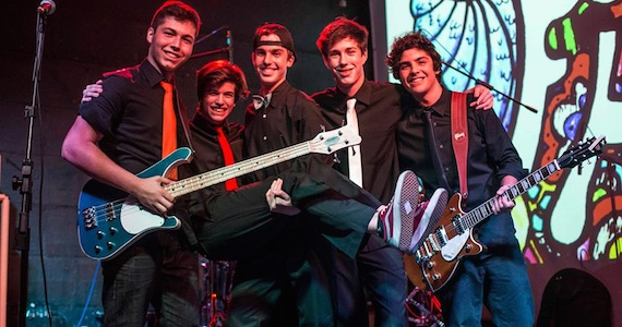 Banda Finger Hooks comemora um ano com show especial no Manifesto Rock Bar Eventos BaresSP 570x300 imagem