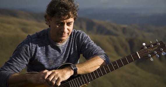 Theatro Net São Paulo apresenta show do cantor e compositor Flávio Venturini Eventos BaresSP 570x300 imagem
