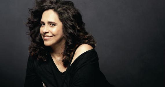 Gal Costa se apresenta com seu show Voz & Violão no Teatro J Safra  Eventos BaresSP 570x300 imagem