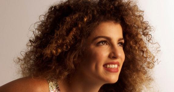 Tom Jazz recebe os sucessos da cantora e compositora Giana Viscardi Eventos BaresSP 570x300 imagem