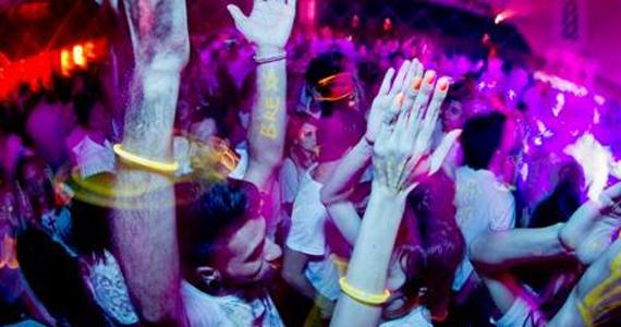 Cine Jóia realiza festa Glow in the Dark especial de verão na sexta-feira Eventos BaresSP 570x300 imagem