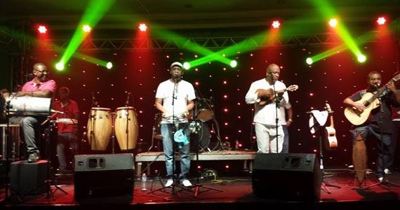 Grupo Total toca muito pagode no palco do Espetinho do Juiz Eventos BaresSP 570x300 imagem