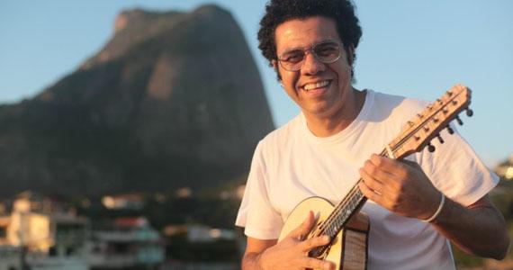 Hamilton de Holanda homenageia Chico Buarque em show de samba no Theatro Net São Paulo Eventos BaresSP 570x300 imagem