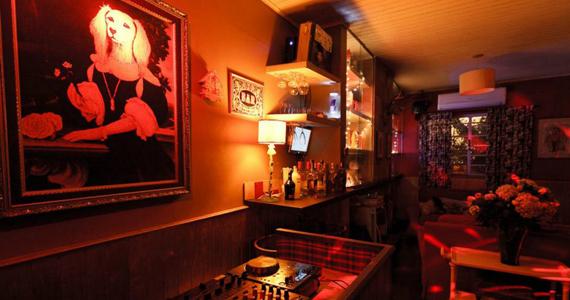 Casa 92 apresenta Projeto Hitchcock com DJ Miss Má e muito mais Eventos BaresSP 570x300 imagem