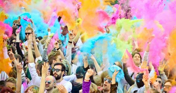 Estádio da Portuguesa recebe a Festa Holi Color com muita música e diversão Eventos BaresSP 570x300 imagem