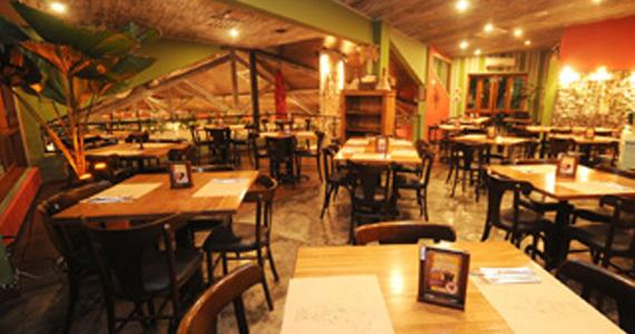 Jullia Pizza Bar oferece almoço diferenciado no Natal com programação especial Eventos BaresSP 570x300 imagem