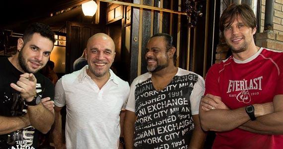 Memphis Rock Bar recebe o show da banda Junkie Box para animar a noite BaresSP
