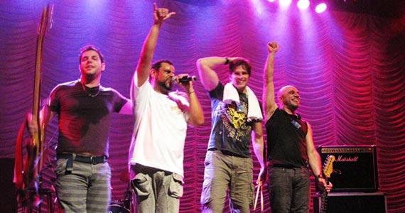 Claudio Merlin, DJ Rogério e banda Junkie Box se apresentam no Bar Charles Eventos BaresSP 570x300 imagem