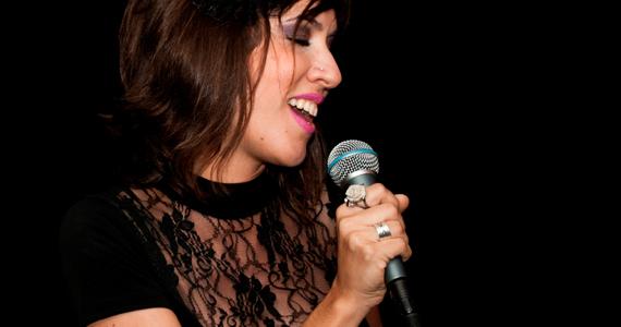 Lia Cordoni se apresenta no Café Paon com seu Samba-Fusão Eventos BaresSP 570x300 imagem