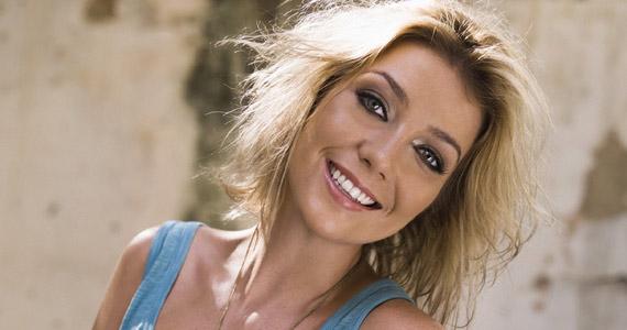 Luiza Possi faz show gratuito neste sábado no Vila Choice Eventos BaresSP 570x300 imagem