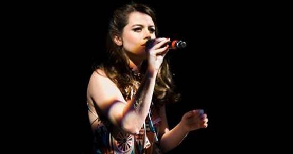 Nova voz da MPB: Luzia Dvoreck se apresenta no Sesc Santo André Eventos BaresSP 570x300 imagem