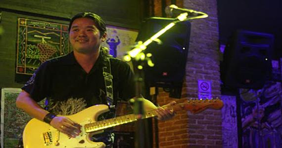 Marcelo Watanabe & Convidados tocam músicas próprias e releituras de Blues no Projeto Cemitério de Automóveis Eventos BaresSP 570x300 imagem
