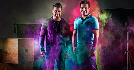 Dupla Marcos & Belutti canta sucessos da carreira no palco da Bulls Club Eventos BaresSP 570x300 imagem