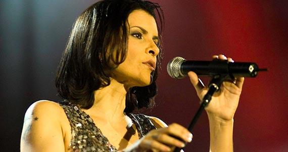 Marina Lima se apresenta no Tom Jazz com o show solo No Osso Eventos BaresSP 570x300 imagem