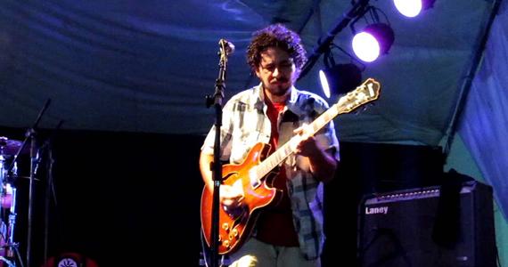 Sesc Pompeia recebe show do versátil músico pernambucano Juliano Holanda no projeto Prata da Casa Eventos BaresSP 570x300 imagem