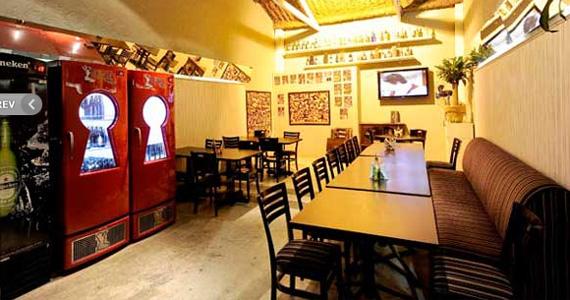 Cantor Diego canta às quintas feiras agitando o Happy Hour do Bar Memorial Eventos BaresSP 570x300 imagem