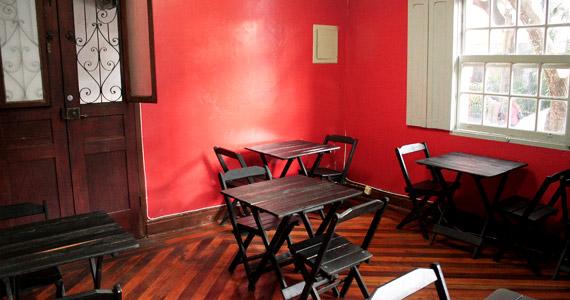 Meninas Bar oferece para o sábado feijoada completa e cerveja de litrão Eventos BaresSP 570x300 imagem