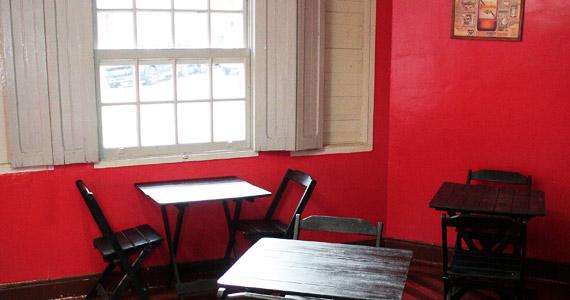 Happy hour com cerveja de litrão e churrasco no Meninas Bar Eventos BaresSP 570x300 imagem
