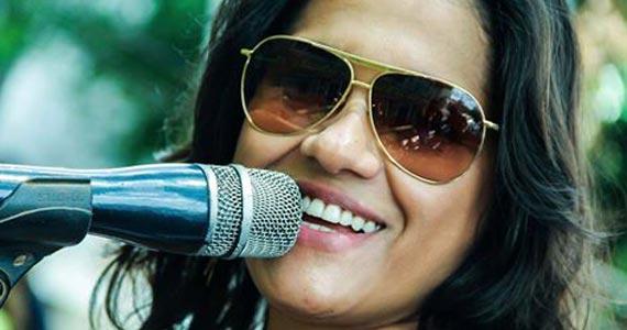 Cantora Milena Castro agita a noite de sábado na comemoração do aniversário de 4 anos do S/A Club Bar Eventos BaresSP 570x300 imagem