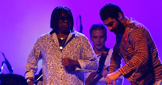 Milton Nascimento e Criolo se apresentam com o show 'Linha de Frente' no HSBC Brasil Eventos BaresSP 570x300 imagem