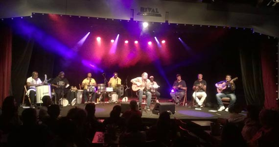 Traço de União recebe o cantor Moacyr Luz e Samba do Trabalhador nesta terça-feira Eventos BaresSP 570x300 imagem
