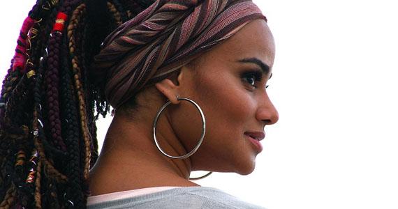 Luciana Mello apresenta show 6º Solo no palco do Bourbon Street, nesta quinta-feira Eventos BaresSP 570x300 imagem