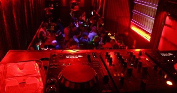 Festa NERVOSA! chega ao Mono Club com música e performances de comédia Eventos BaresSP 570x300 imagem