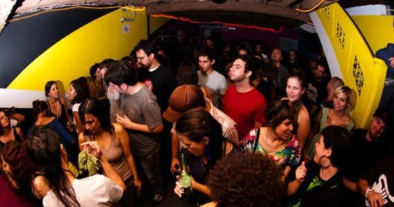 Sexta-feira é dia da festa Pracinha com line up especial na Neu Club Eventos BaresSP 570x300 imagem