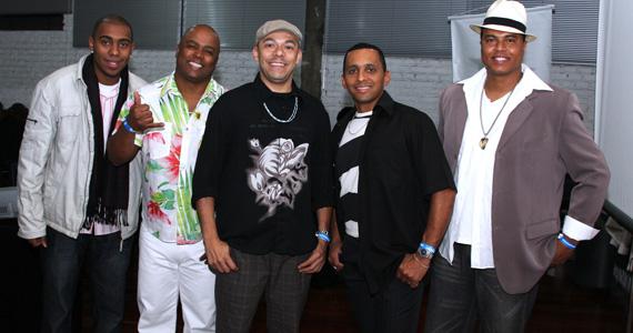 Sábado é dia de Projeto Samba com grupos de pagode e DJ no palco do Capella Beer 23-11-2013 Eventos BaresSP 570x300 imagem